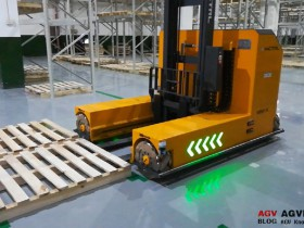 What are the advantages of Mecanum wheel forklifts?